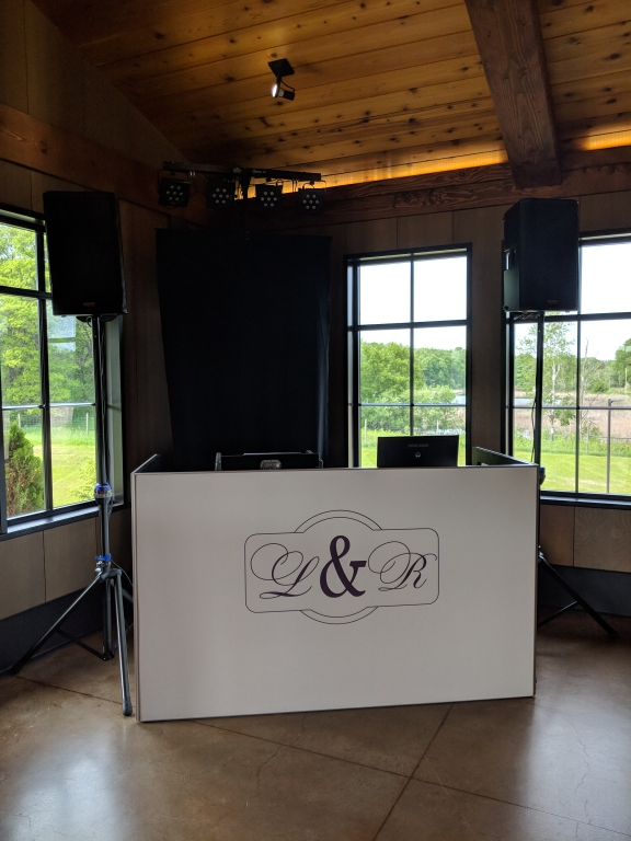Custom-DJ-booth-Seven-Vines-Vineyard-6-1-19-Kailen-3