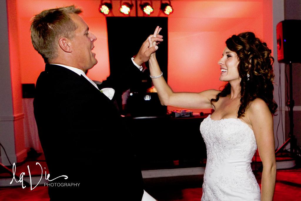 Minneapolis Wedding led uplighting at Calhoun Beach Club 10