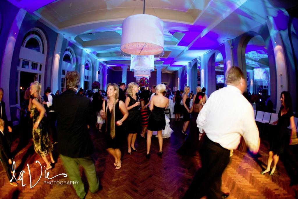 Minneapolis Wedding led uplighting at Calhoun Beach Club 12