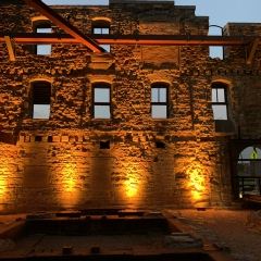 Outdoor-LED-uplighting-Amber-4